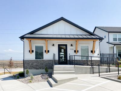 Community Clubhouse. Scenic Mountain Townhomes West New Homes in Eagle Mountain, UT